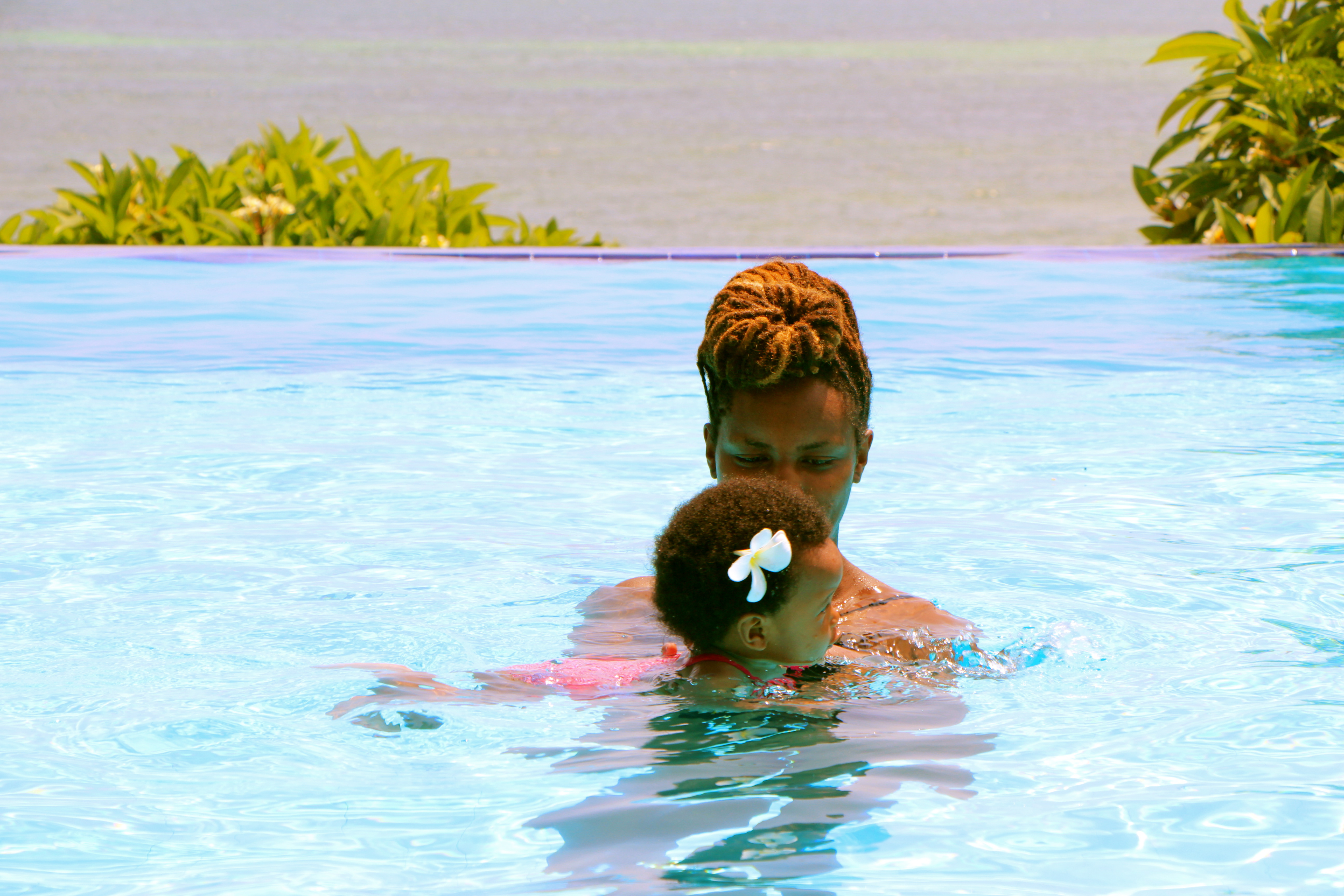 baby swimmimg lesson