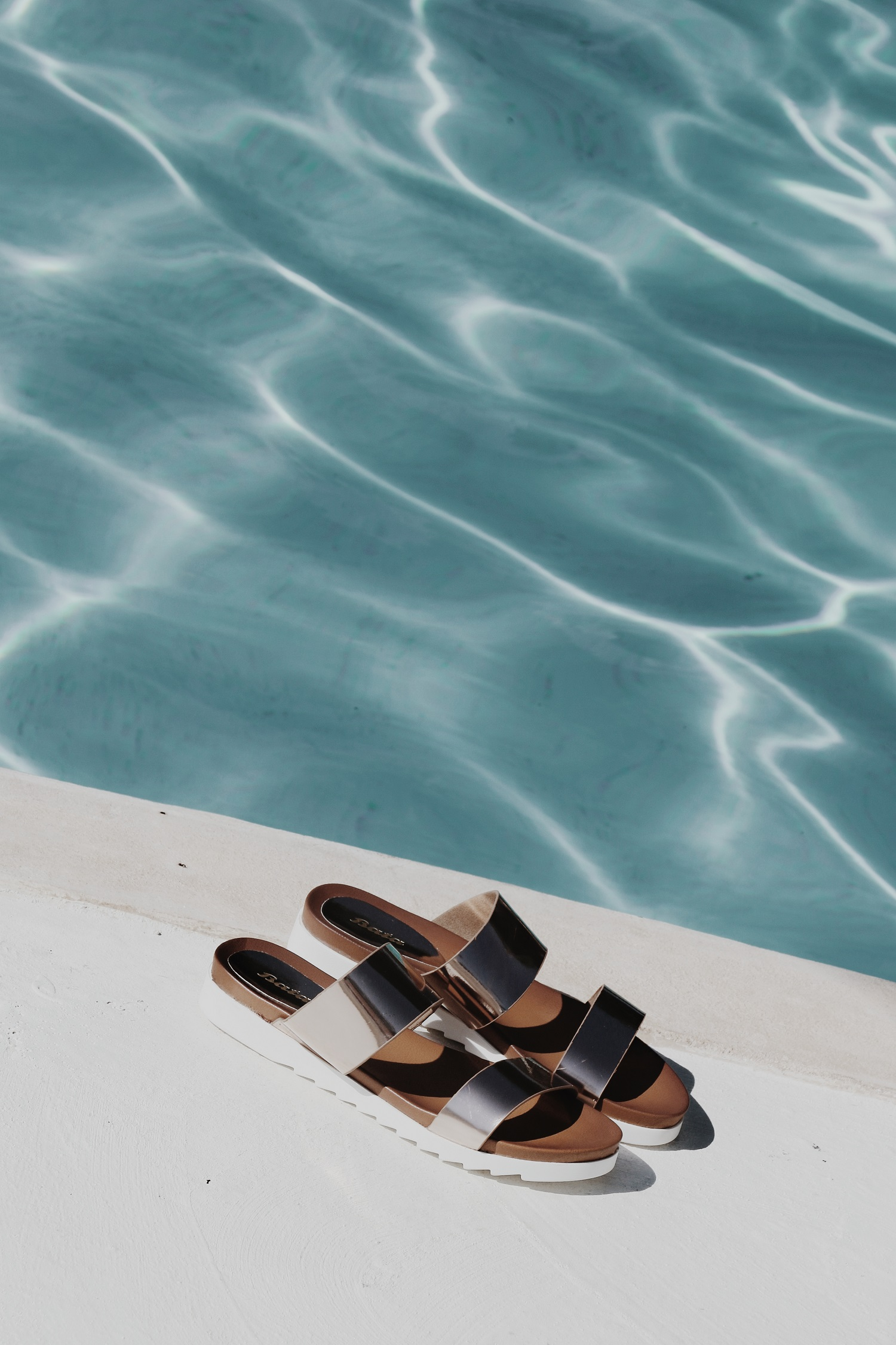 bata shoes pool slides